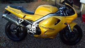 Triumph daytona t595 955cc
