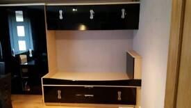 Black gloss Starplan fitten bedroom (Wardrobe, cupboards, desk and bed)