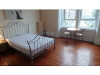 ***STUDENTS, STUDENTS, STUDENTS - WELL PRESENTED 3 BED FLAT £895***
