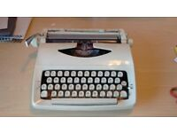 FULLY WORKING - Imperial typewriter