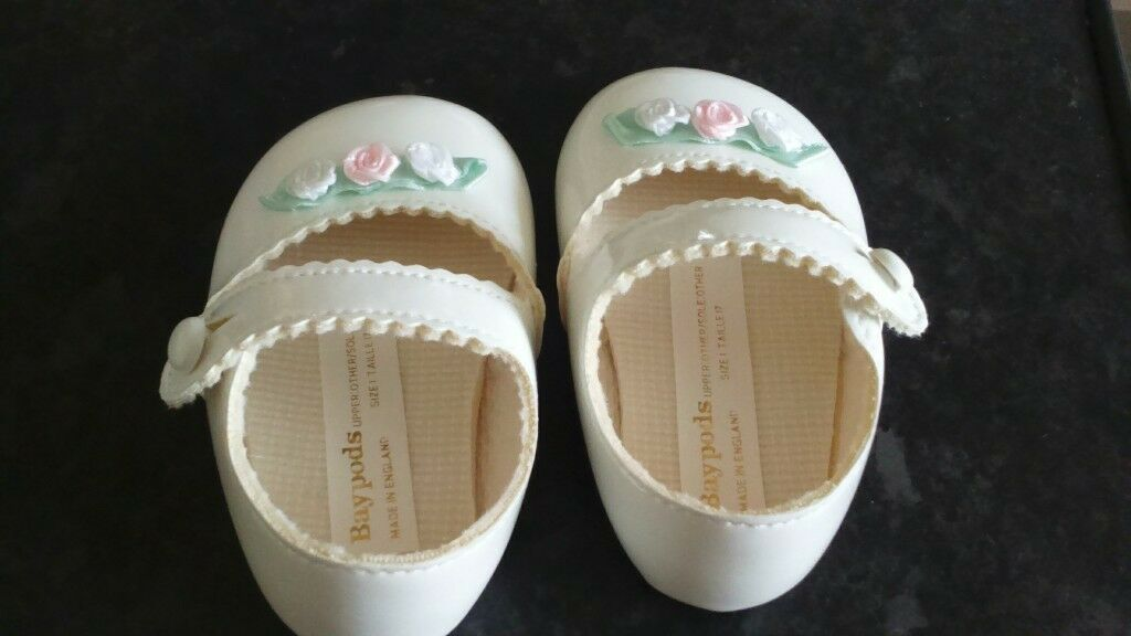 baby shoes white brand new 6-12 monlths