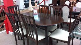 Lovely dinning table with 6 chairs.