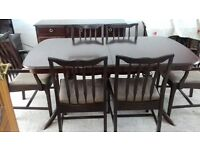 STAG MINSTREL EXPENDING DINING TABLE , 6 DINING CHAIRS INCLUDES 2 CARVERS.