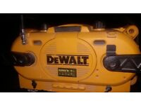 Dewalt radio/push battery charger