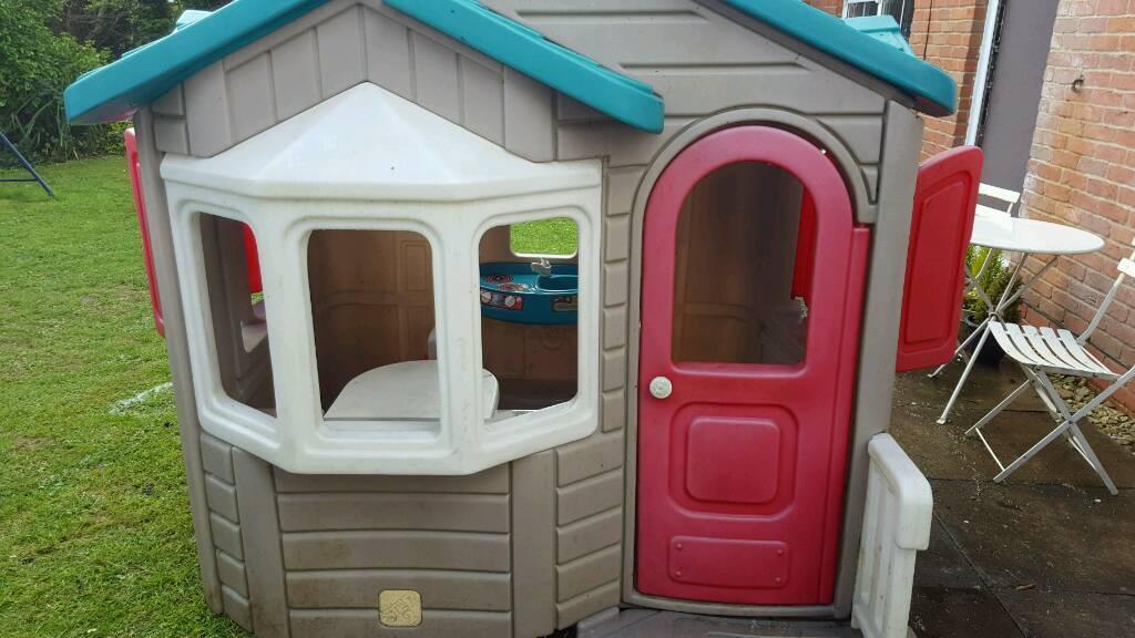 Little tikes playhouse in bradley stoke bristol gumtree for Little tikes house