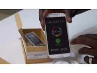 Unlocked New Samsung Galaxy S4 GT-I9505 16GB 13MP Dual-Lens Camera -Black and White