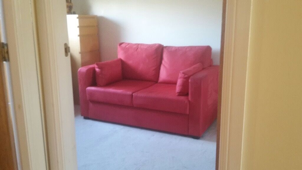 Red suede bed settee sofa bed in knightswood glasgow for Sofa bed glasgow