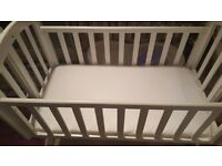 Baby Crib...Barely used!