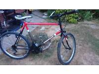"""Mens mountain bike 22.5"""" frame suit 6'2"""" up."""