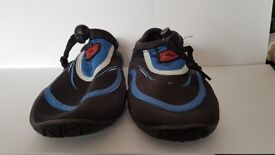 Beach Shoes Child Size 13