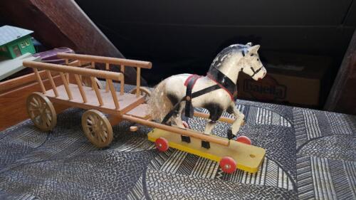 Altes Holzspielzeug PFERD mit WAGEN Fahrzeuge Holzspielzeug