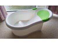 Tippitoes Baby bath bathtub suitable from birth