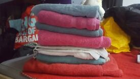 10 towels, mixed colours and sizes