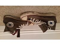 2 pairs of Converse All Stars both mens size 6