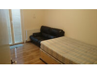 Double Room in N12, £120 PW Single and £140 Couple, ALL INCLUSIVE, min 6 months plus 1 month notice