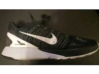 Nike Lunarglide 7 black and white trainers Size Uk10.5