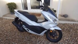 2017 17 plate Honda PCX125cc. 337 miles from new. Ideal learner bike, start/stop technology. VGC