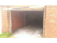 Large single Garage To Let - Water included