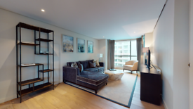 3 bedroom flat in 4 Merchant Square East