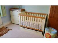 5 piece nursery furniture set and accessories