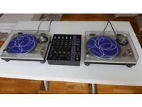 2 x Technics SL-1200MK2 with behringer mixer