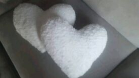 Fluffy heart cushions in White