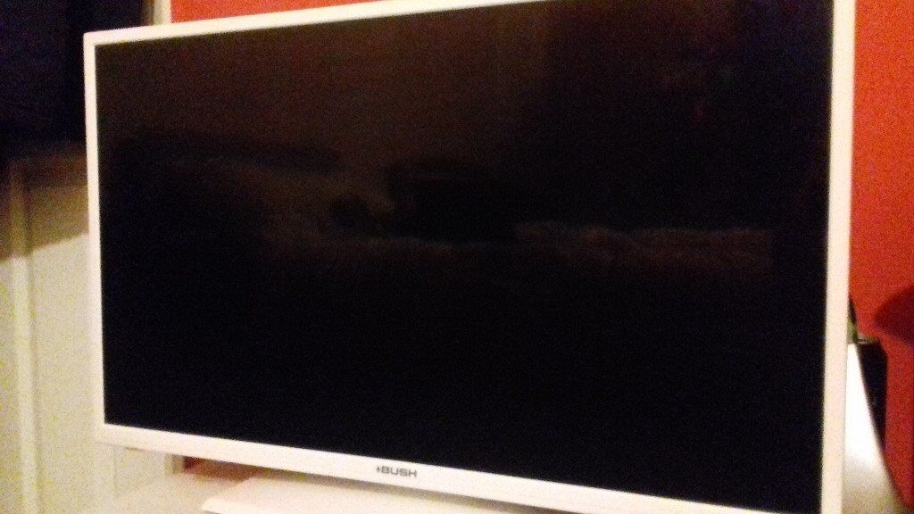 28 inch Bush white flat screen television with built in DVD player