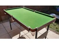 Small Sized Pool/Snooker Table