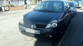 Renault clio 1.2 5 door