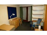 4* Bedroom w/ single bed, en-suite, heating, water and electric included - only £150 p/week