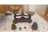 Kitchen scales and weights