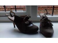 Beige Aldo heels with bows
