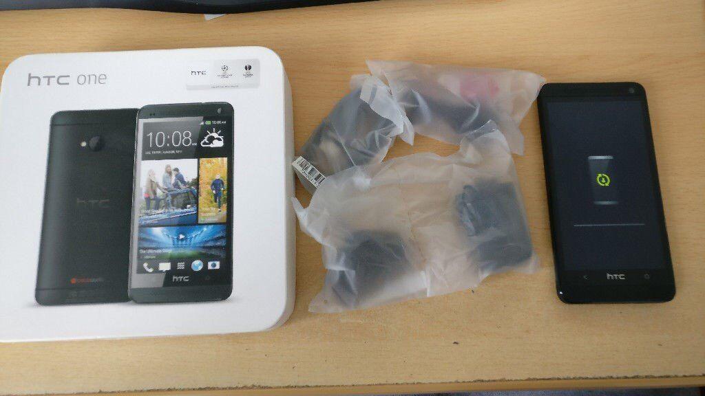 HTC One M7 32Gb - Unlocked - Black - BRAND NEW ACCESSORIES - with black case