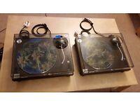 "Pair of Technics 1210 mk2 + Shure Whitelabel cartridges + new dust covers + ""sic matz"" slipmats"