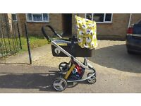 Cosatto giggle in Treet design full travel system