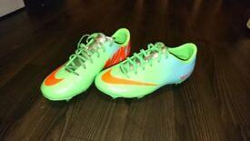 Adults Nike football boots (UK size 5) - Like NEW