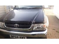 2 x toyota hilux for sale both in need of some tlc