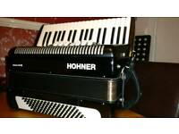 Hohner Bravo 3 (III) 96 Bass, 3 Voice Accordion