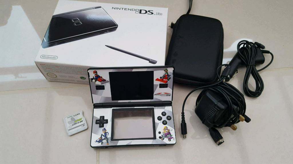 Nintendo DS Lite with 35 games