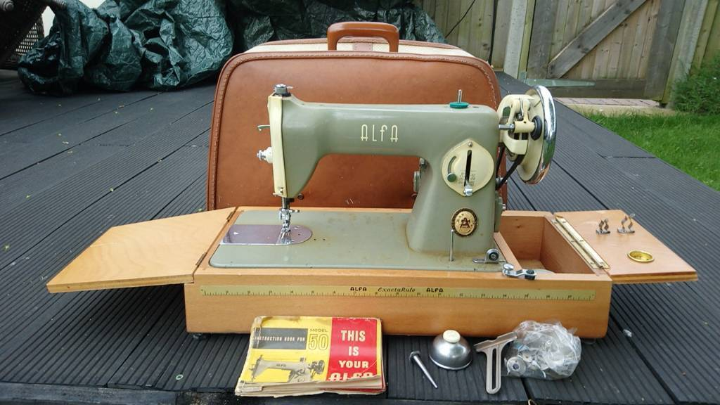 Vintage Alfa 40 Electric Sewing Machine In Wickham Hampshire Simple Alfa Model 50 Sewing Machine
