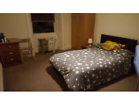 Large double bedroom in Merchiston ideal for students