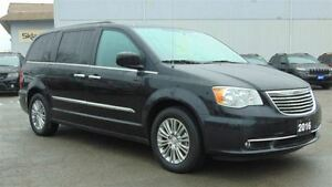 2016 Chrysler Town & Country TOURING - LEATHER- DVD- NAV- SUNROO