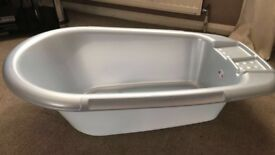 Moses Basket and Baby Bath