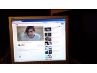 ACER 15 inch LCD Monitor with Speakers working
