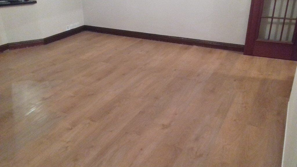Laminate Oak Effect Flooring 16 Square Metres Used In Good Condition