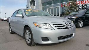 2010 Toyota Camry ASSISTANCE ROUTIÈRE 2 ANS INCLUSE
