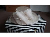 Ladg G wedding hat