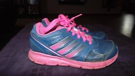 Girls Adidas Trainers Size 1 Worn but good condition