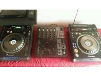 Pioneer dvj x1 pair + beringer mixer