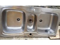 2.5 BOWL STAINLESS STEEL SINK WITH PLUGS
